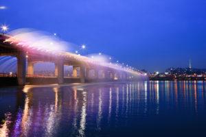 盤浦大橋の虹の噴水
